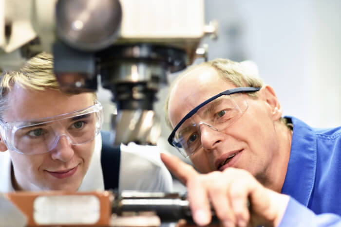 Ausbildung zum Zerspanungsmechaniker CNC-Technik Neuwied
